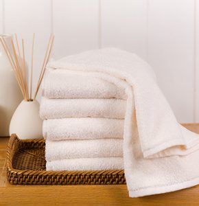 spa-treatment-salon-towel